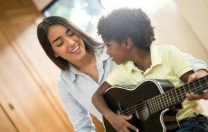 học đàn guitar khi 6 tuổi