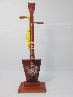 Giới thiệu đàn tam (Three-stringed lute)