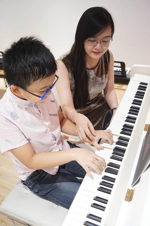 https://vietthuong.edu.vn/khoa-hoc-piano