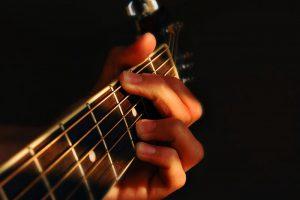 Chọn đàn guitar tốt nhất nhờ các yếu tố sau 1
