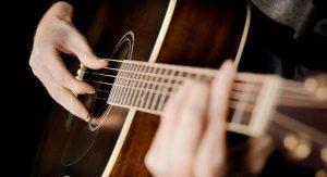 Tự học chơi guitar hay gặp phải những vấn đề gì? 1